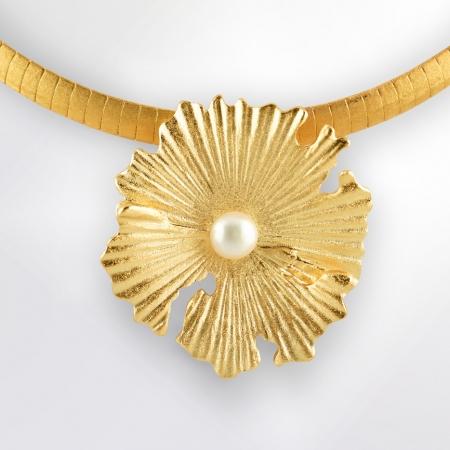 Claris Schmuckdesign Anhänger Perlblume gelbvergoldet