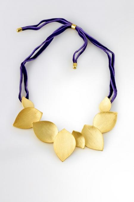 Claris Schmuckdesign Collier Efeu gelbvergoldet