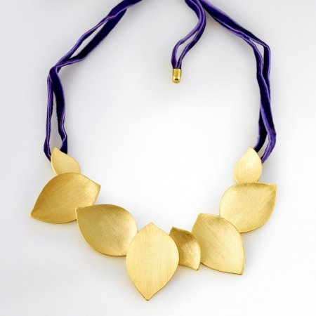 Claris Schmuckdesign Collier Leaves gelbvergoldet